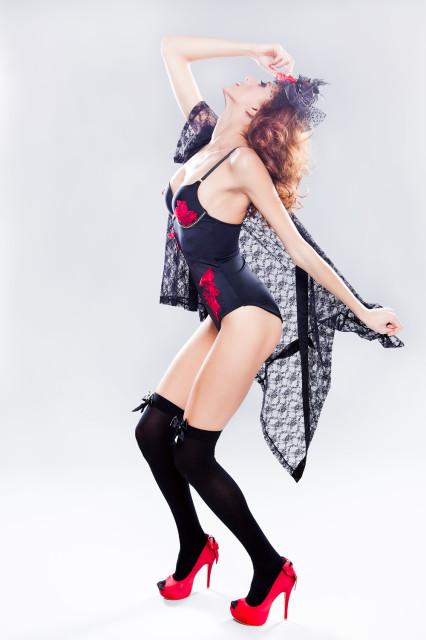 Zapato Dragón Rojo Modelo: Maria Cano