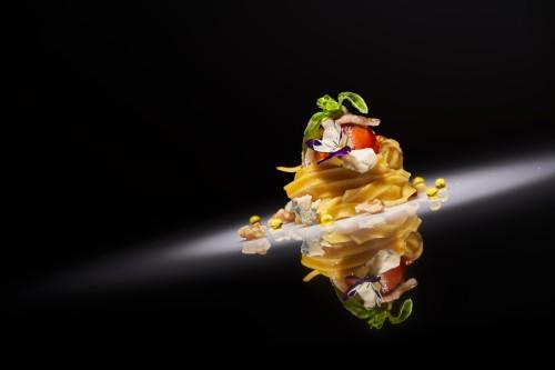 Spaghetti Gorgonzola y nueces con esferas de oliva